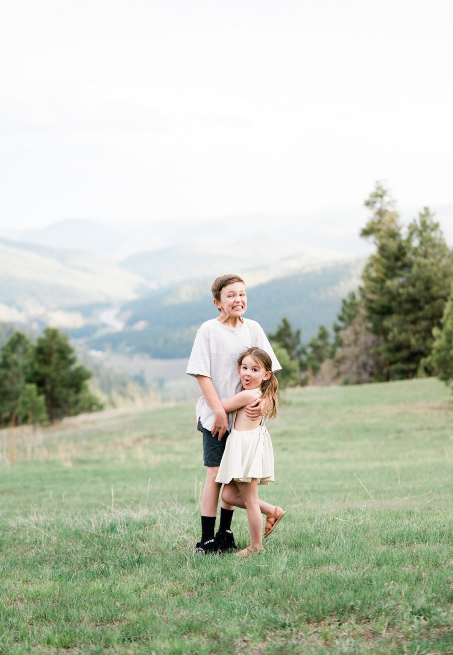 Family Outdoor Photos in Colorado by Traveling Photographer