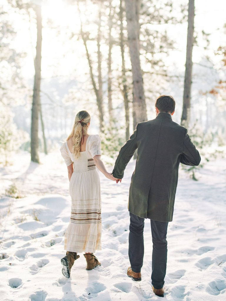 Engagement Photos | Winter Outdoor Photos | Minneapolis Wedding, Engagement & Couples Photographer