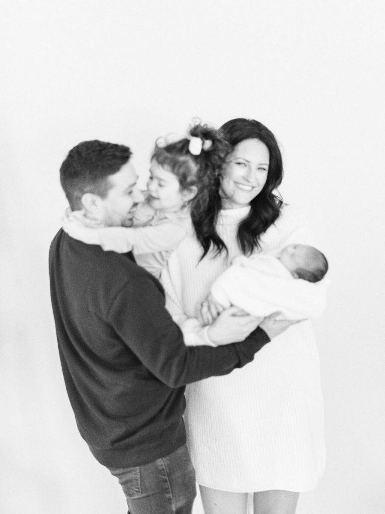 Lifestyle Family Photography | Chaska Newborn Family Photographer | Lifestyle Minneapolis Photographer Lauren Engfer