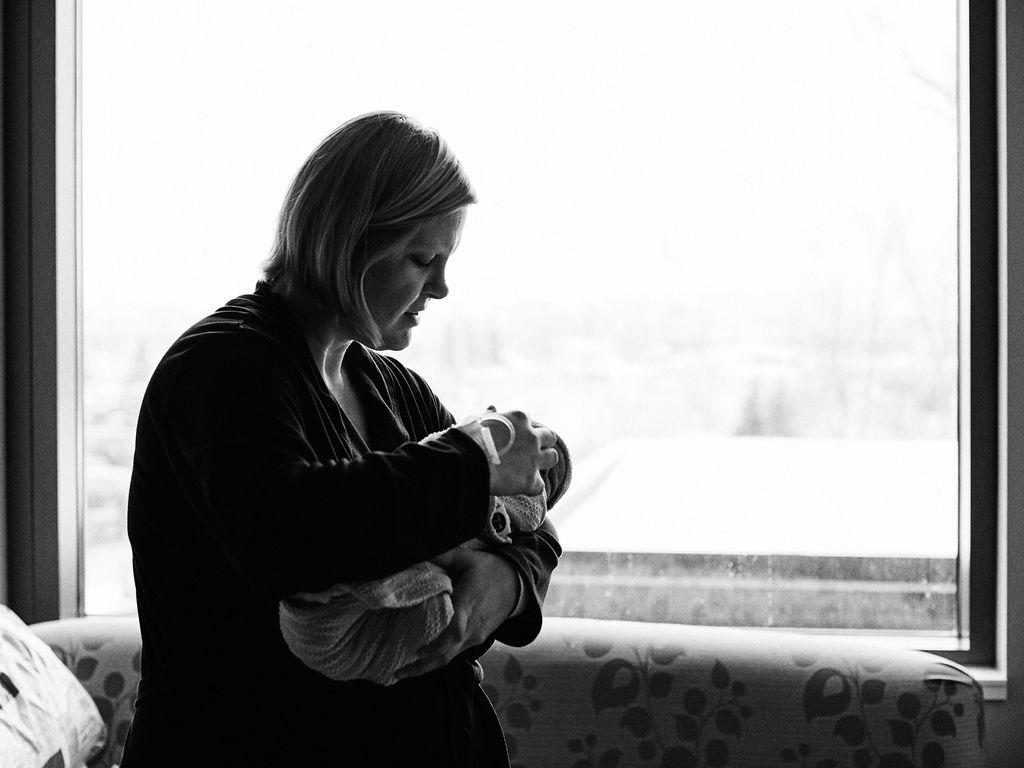 Maple Grove Hospital Fresh 48 Newborn Photos | Maple Grove Newborn Photographer